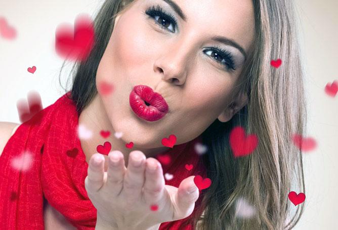 поцелуй от девушки видеочат онлайн