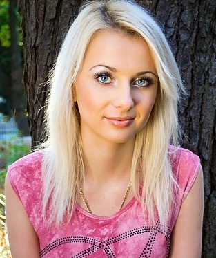 блондинка в видеочате